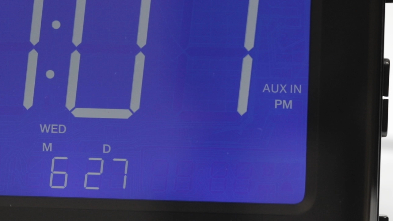 Aux Input on the Magnasonic CR65 Alarm Clock Radio