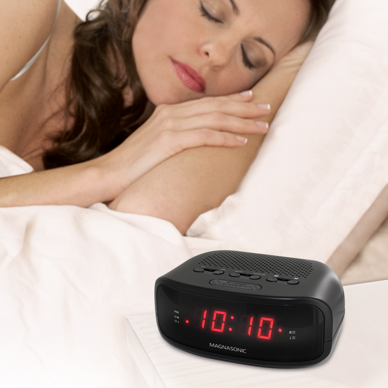 EAAC200 Digital AM/FM Clock Radio